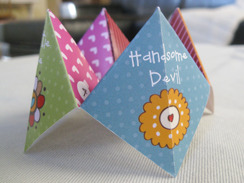 Free Printable Valentine's Day Cootie Catcher